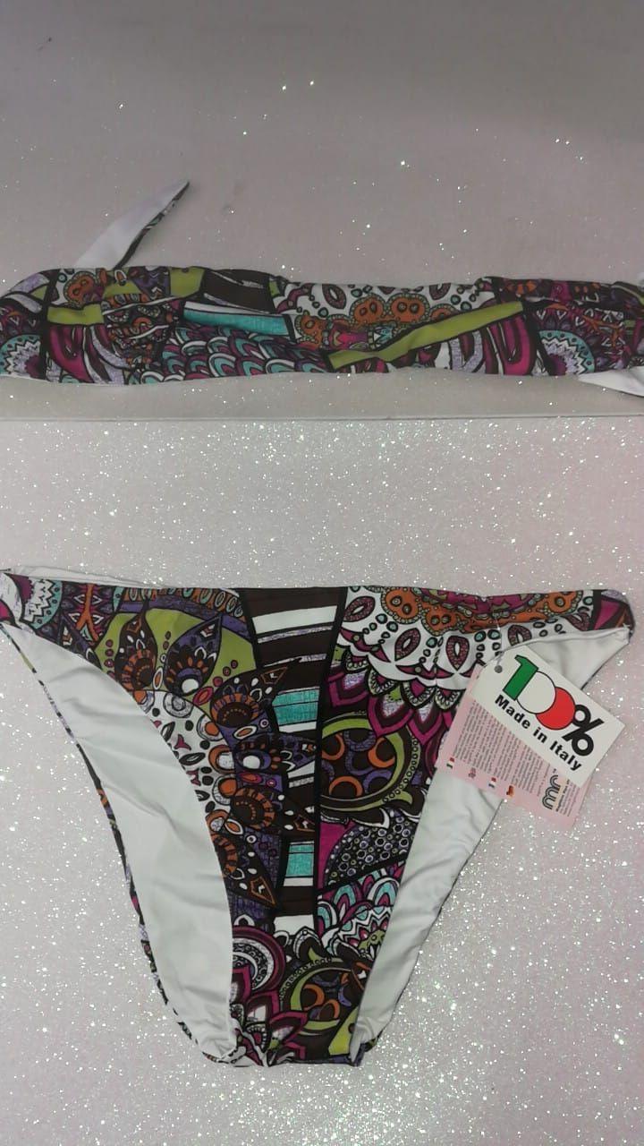 Light 16 anni €, 14,00 080  tutti rigorosamente Made in Italy, per indossare le migliori novità moda mare!