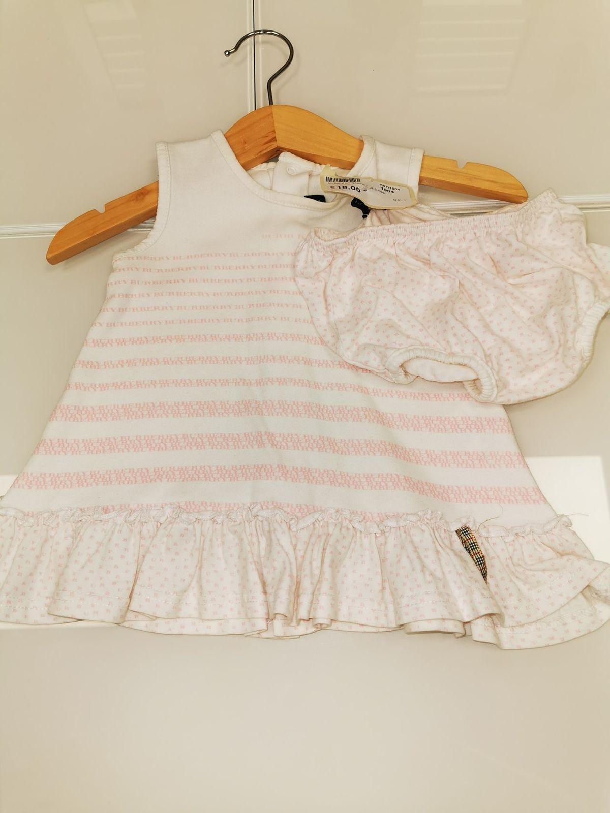 Burberry Vestito con copri pannolino  3 mesi  € 18,00 1904