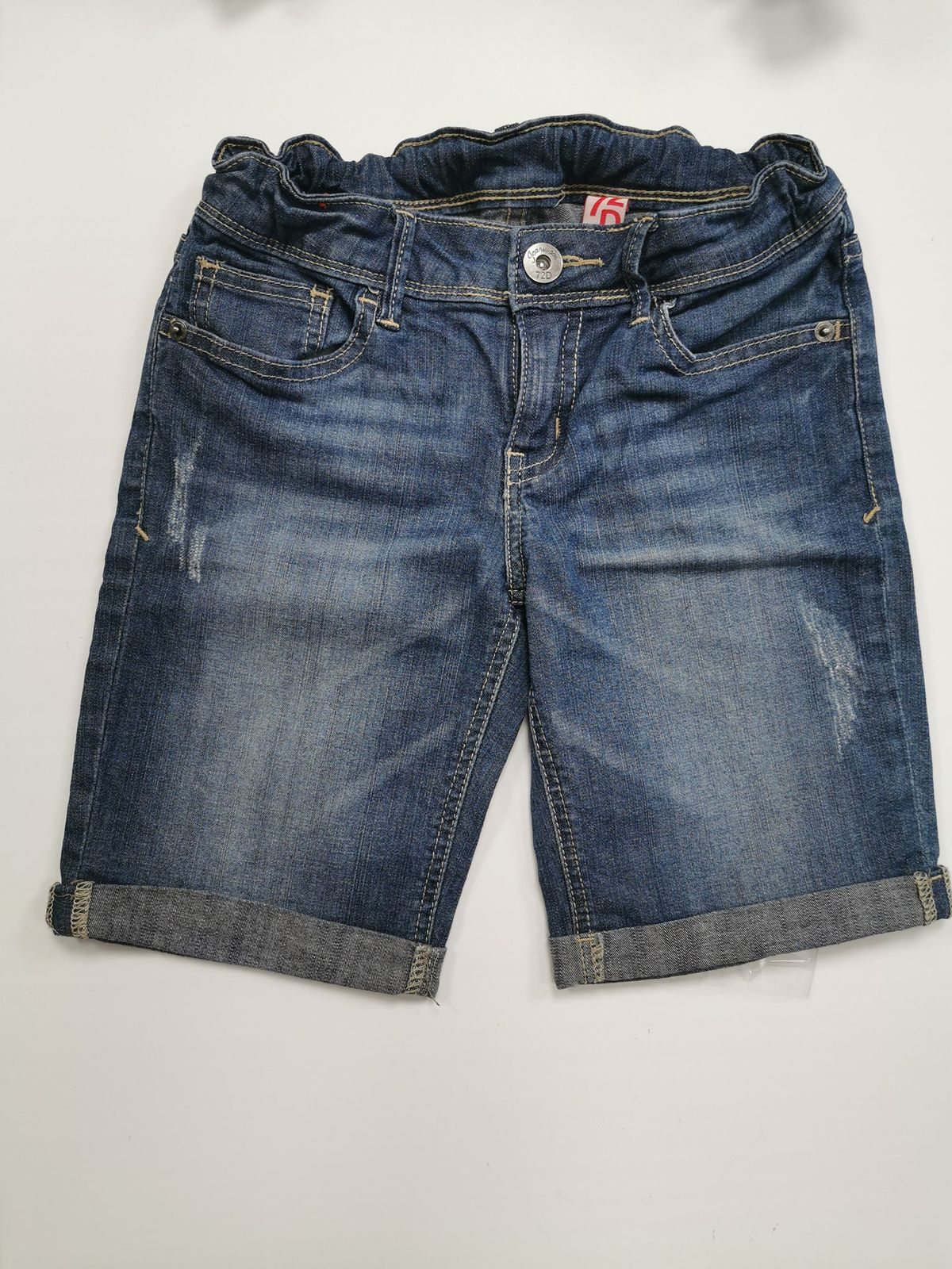 13276. Pantaloni corti 10/11 anni Euro 7,50