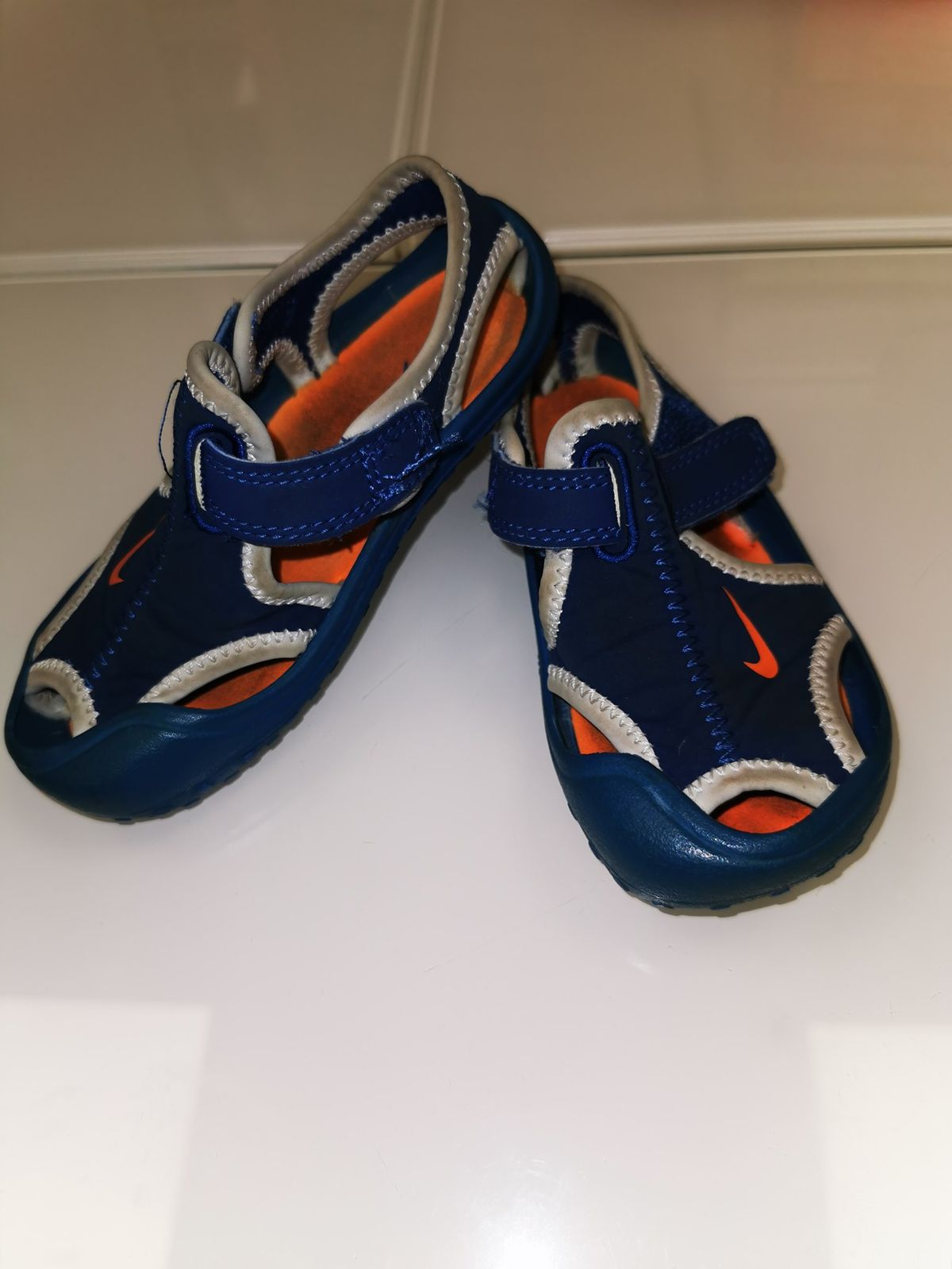 Nike Sandalino n 23.5 5.00 euro 6094