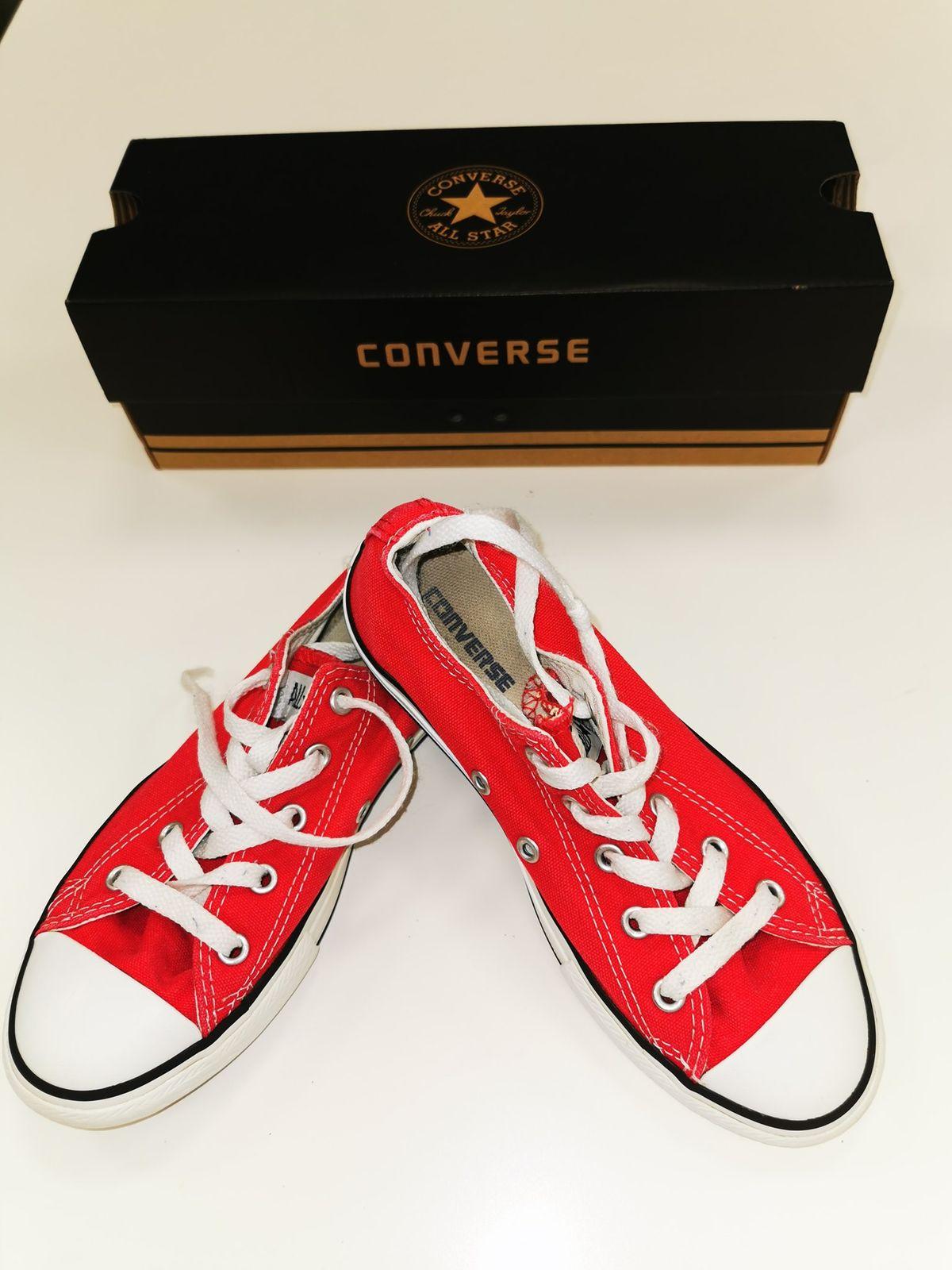 Converse n 34 € 18.00 9570