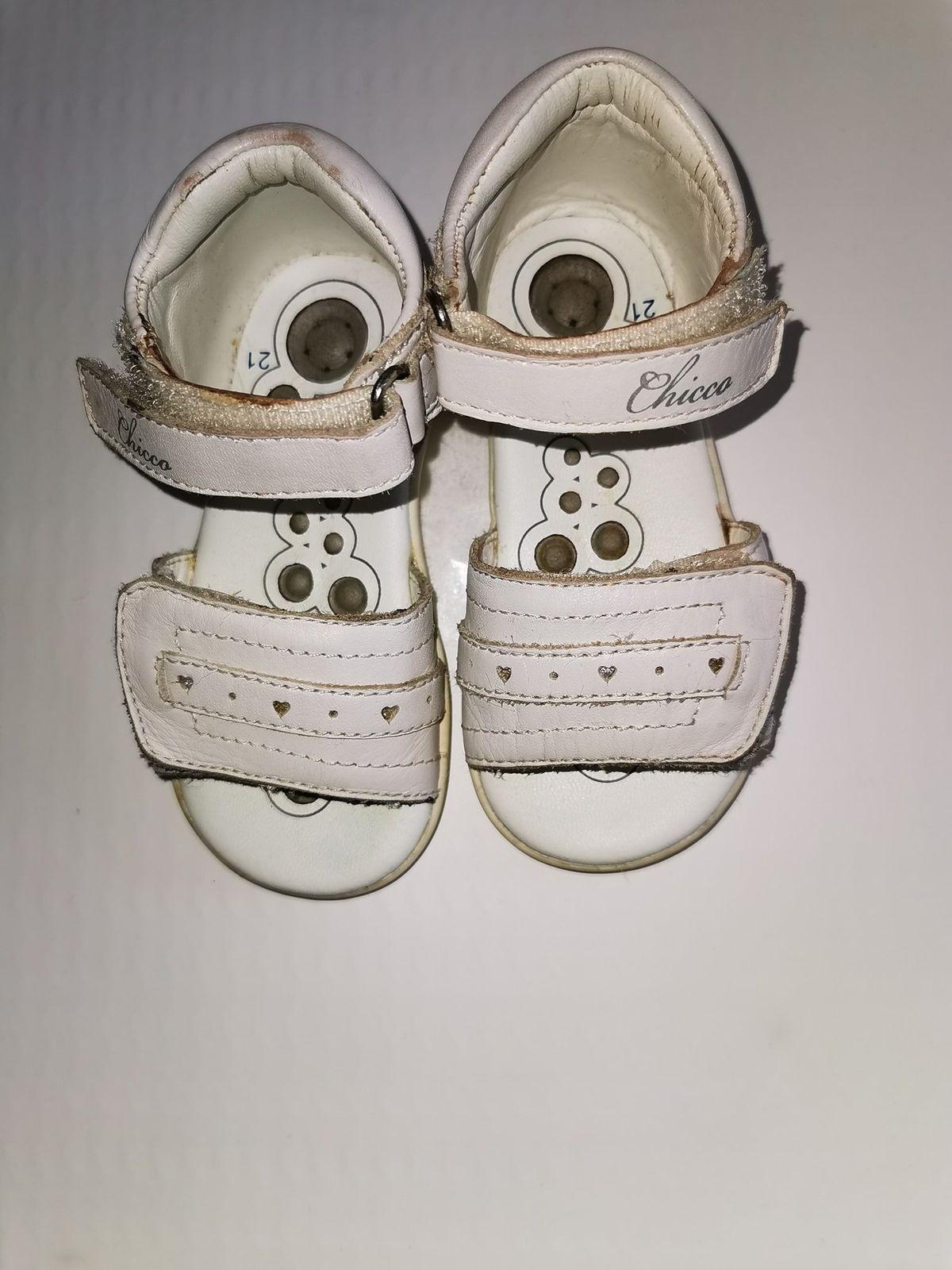 Sandalo n.21 Chicco codice 2904 totalmente in pelle  Euro 9,90