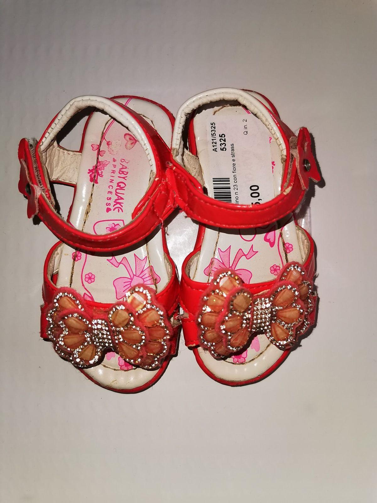Sandalo n.23 codice 5325 Euro 5,00