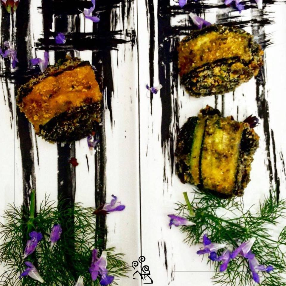 Involtini di zucchine al nero di seppia.  #pranzo #buongiorno