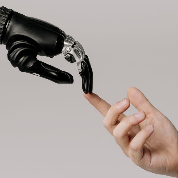 Intelligenza artificiale, rapporti politici e diritti: servono regole comuni | Comunità di Connessioni