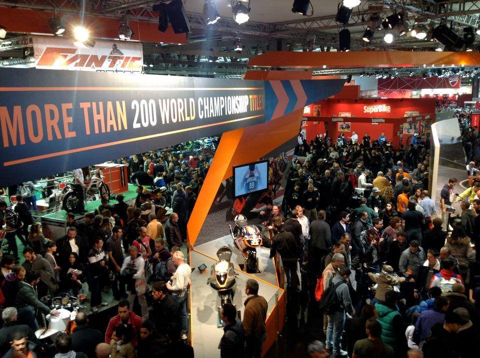 Hellobrand all'EICMA 2012 a presentare il nuovo Racergp.com