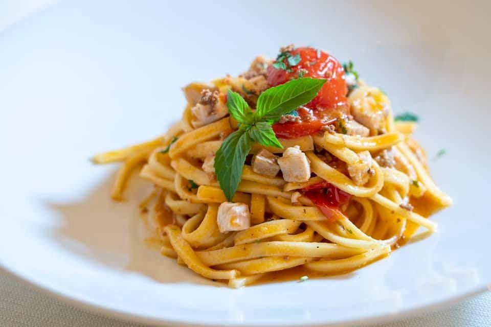 Da domani questo piatto non sarà più solo un sogno! 🍝   La cucina di Nonna Tina ti aspetta domani a pranzo 👵🏻