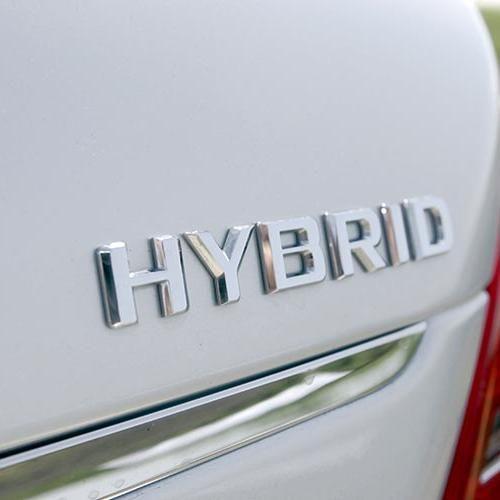 Differenza auto ibride e plug-in: vantaggi e svantaggi - Autronica