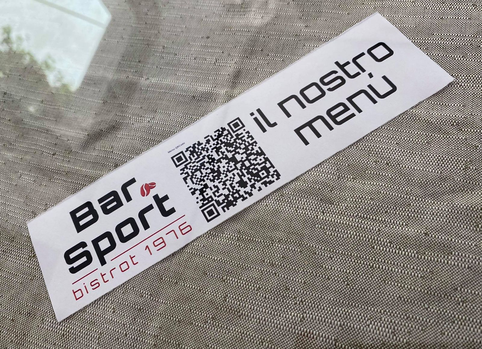 Quando ti siedi al tavolo, inquadra il qr code e guarda il nostro menù